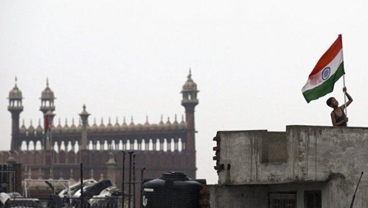 Двое полицейских погибли в Индии при нападении боевиков на больницу
