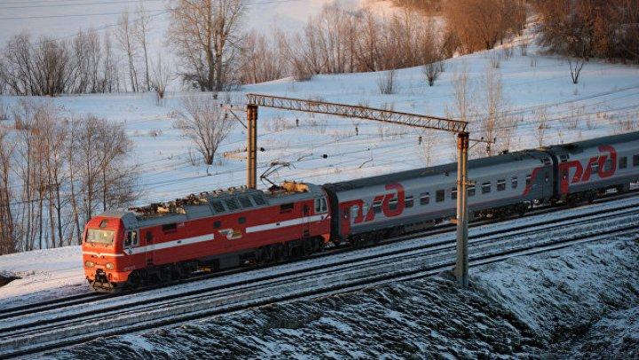 Поезд «Санкт-Петербург — Мурманск» изменил расписание ради одной школьницы