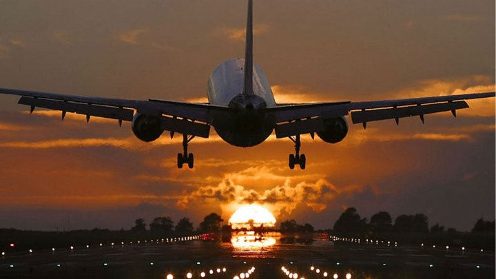 В Канаде самолет загорелся в воздухе