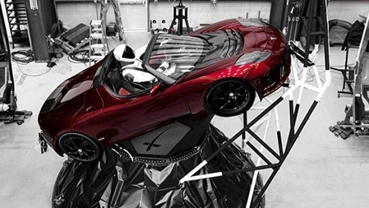 Tesla Илона Маска официально зарегистрирована как космический корабль