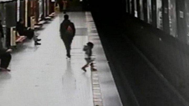 В Милане студент прыгнул на пути в метро, чтобы спасти ребенка (видео)