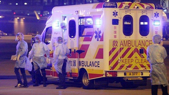 В Шанхае въехавший в толпу пешеходов водитель фургона скончался