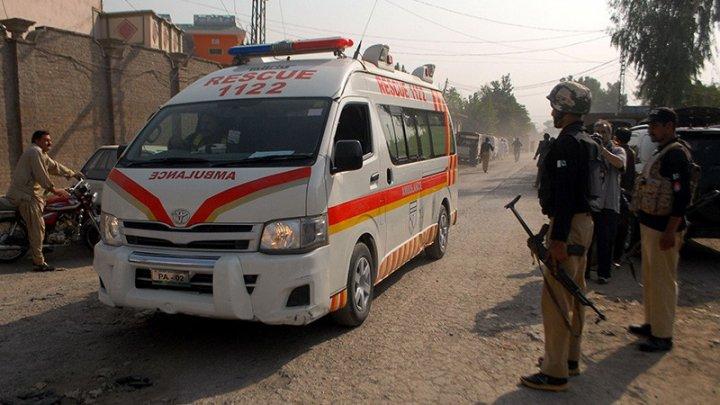В Пакистане автобус с пассажирами рухнул в горное ущелье