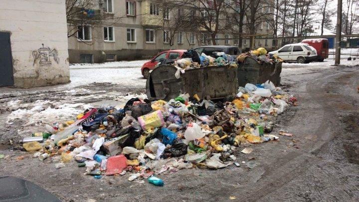 Советники Усатого обратились за помощью к правительству и парламенту для решения проблемы мусора в Бельцах