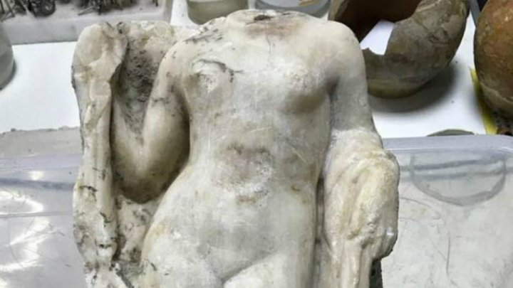 В Греции найдена безголовая Афродита