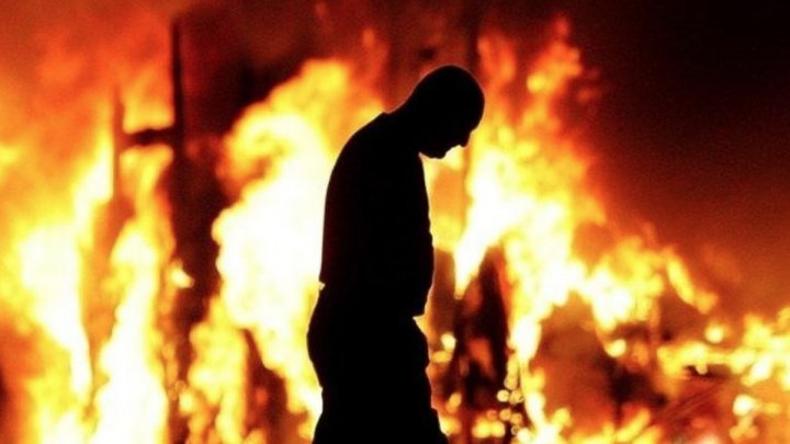В Школе искусств Глазго произошел второй масштабный пожар: видео