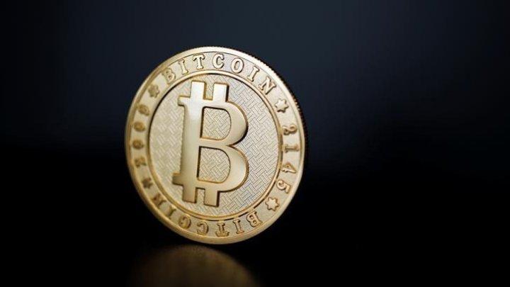 Курс биткоина опустился ниже 6 тысяч долларов
