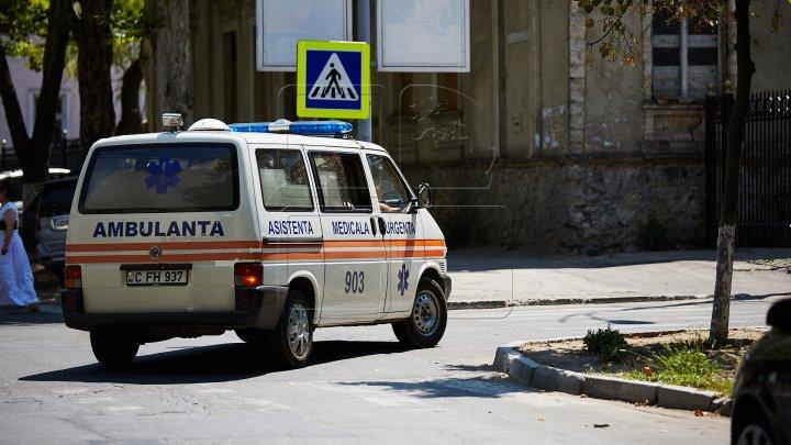 Школьница спрыгнула со второго этажа столичного лицея Василе Лупу