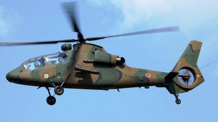 В Японии военный вертолет упал на жилой дом
