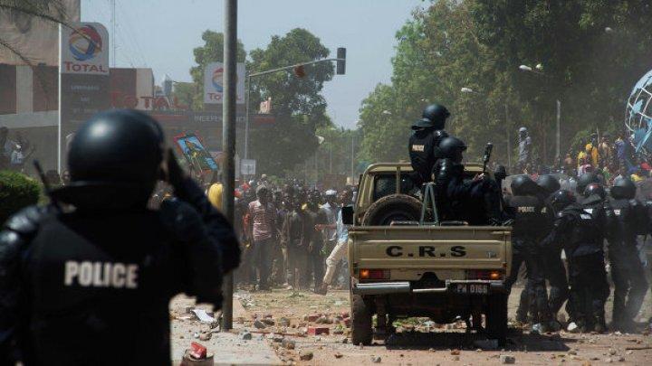Около 30 человек погибло при атаке в столице Буркина-Фасо