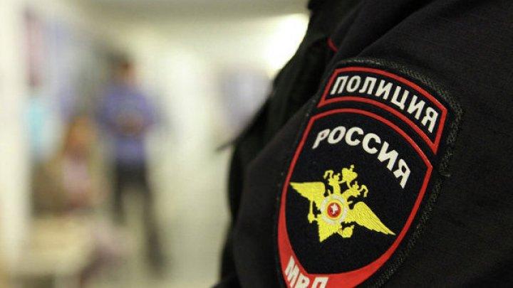 Полиция Сочи ведет проверку по поводу видео, на котором школьники избили охранника (18+)