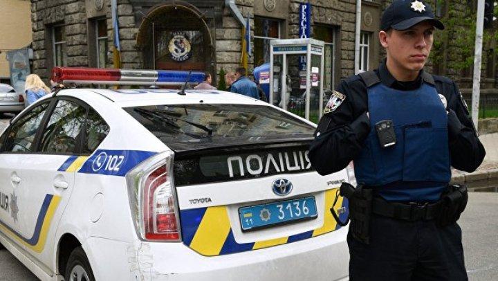 В Киеве неизвестные расстреляли из гранатомёта ресторан
