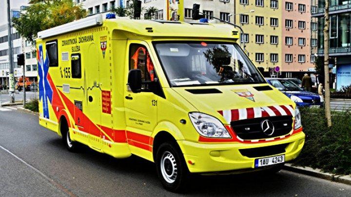На востоке Чехии при столкновении четырех машин погибли двое детей