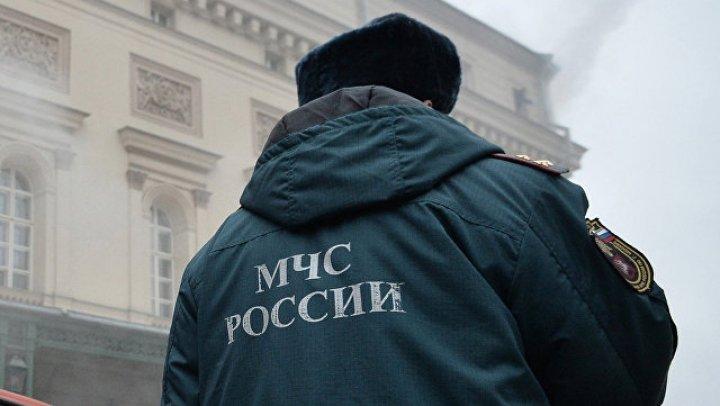 Три человека пострадали при обрушении реконструируемого здания в Москве: видео