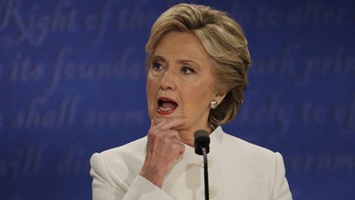 СМИ: Хиллари Клинтон госпитализировали в Индии