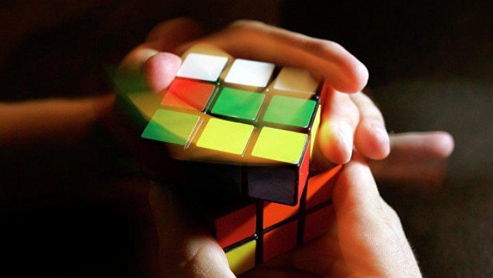 Американский робот собрал кубик Рубика менее чем за полсекунды: видео