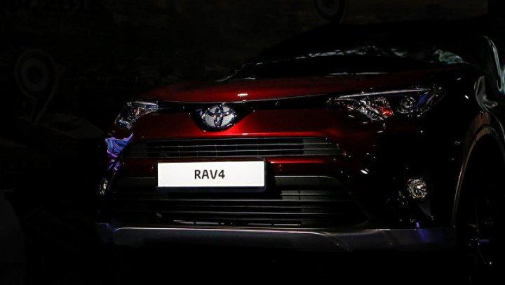 Toyota показала первое изображение нового кроссовера RAV4