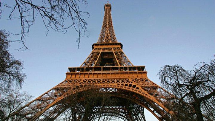 Подсветку Эйфелевой башни изменят в поддержку прав женщин