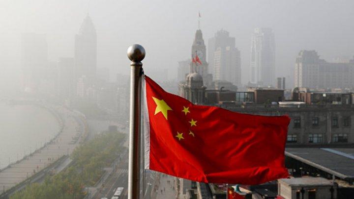Группу туристов два дня не пускали в Китай из-за долга гида