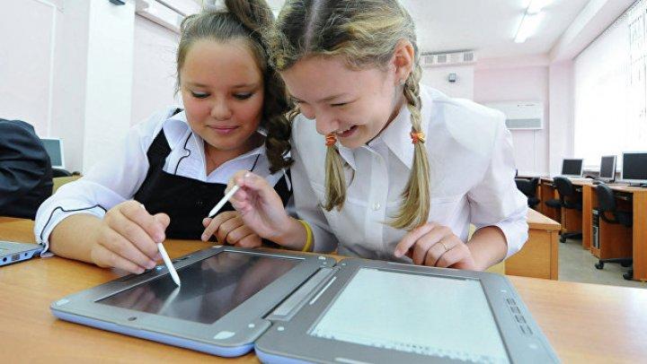 Созданный сибирским подростком учебник по физике внедрят в школы