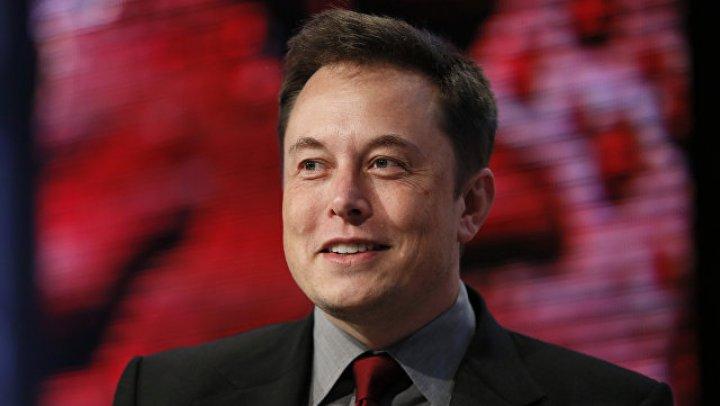 Илон Маск начнет торговать кубиками Лего