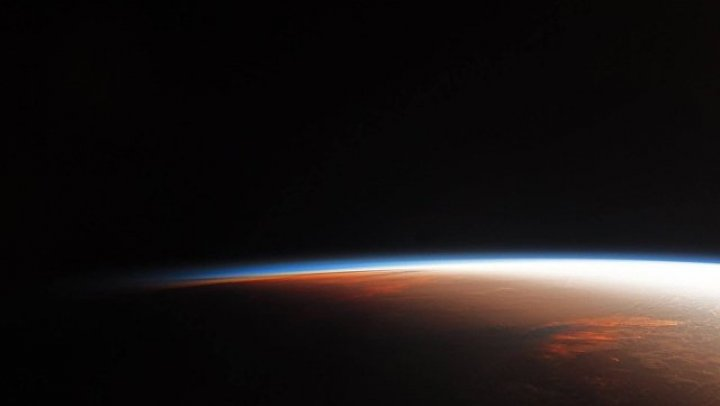 """Заработал первый в мире """"космический оптоволоконный кабель"""""""