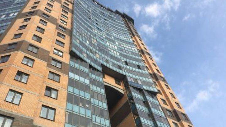 В Люберцах девушка осталась жива после падения с 21-го этажа