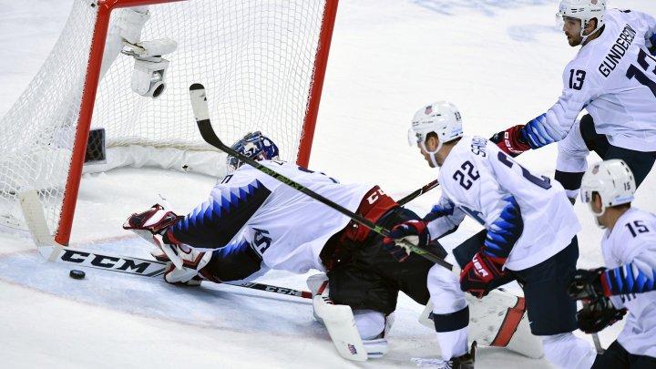 Бухгалтер встал в ворота и стал первой звездой дня в НХЛ