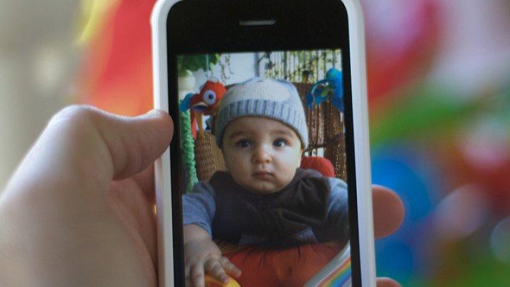 Двухлетний мальчик заблокировал iPhone на 48 лет