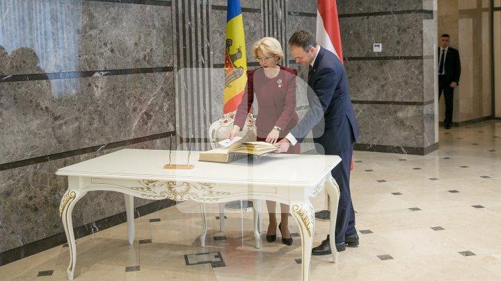 Андриан Канду провел переговоры со спикером Сейма Латвии Инарой Мурниеце