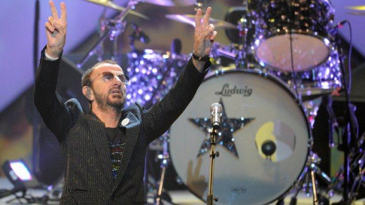 Барабанщик The Beatles Ринго Старр посвящен в рыцари
