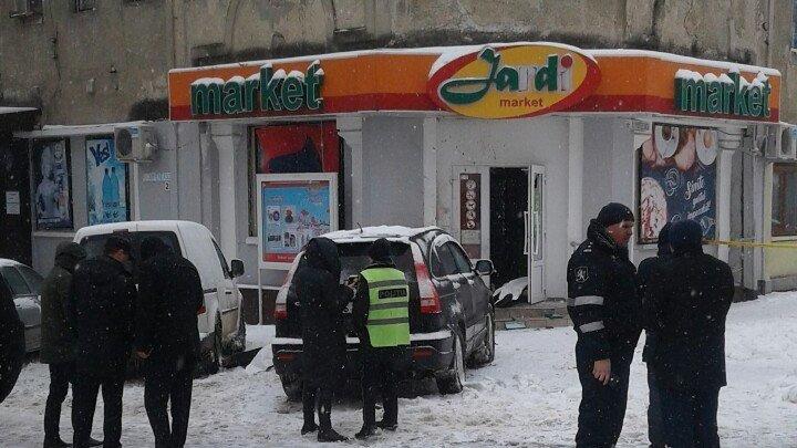 """""""Мужчина бросил гранату не случайно"""": полиция о взрыве в центре Кишинева (фото)"""