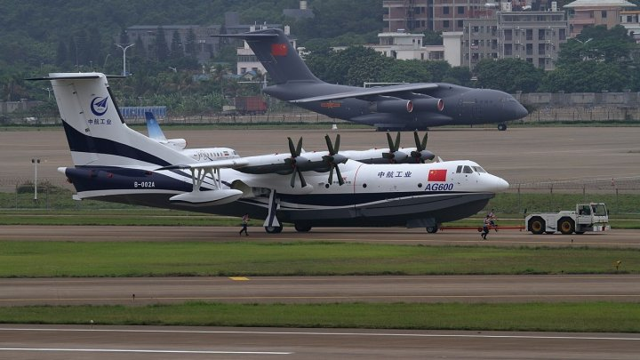 Крупнейший в мире самолёт-амфибию испытают на воде в конце года