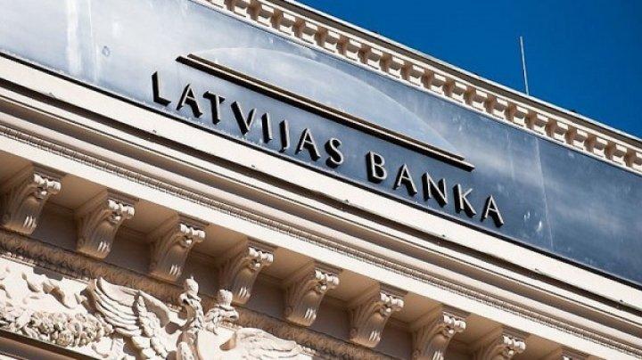 Из латвийских банков вывели 365 миллионов евро за неделю