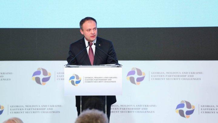 Парубий смолдавским игрузинским коллегами участвует вконференции вКишиневе