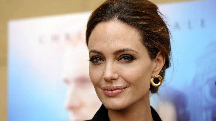 Джоли выходит замуж за арабского миллионера