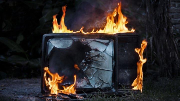 Под Астраханью годовалый ребёнок пострадал из-за взрыва телевизора