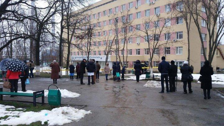 Сообщение о бомбе в столичной поликлинике оказалось ложным (фото)