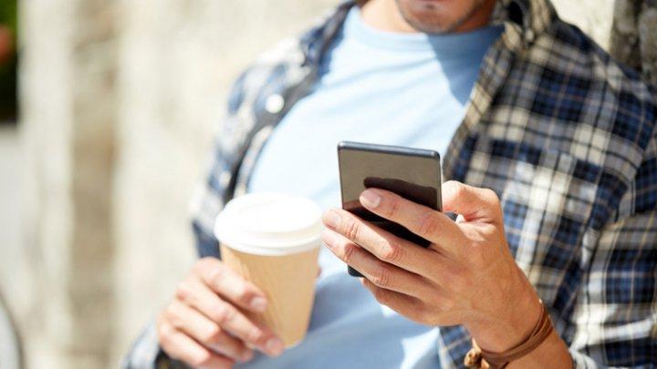 Врачи рассказали, почему смартфоны заставляют нас глупеть