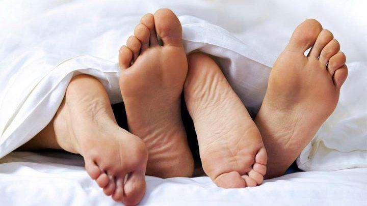 Ученые узнали, как люди оценивают заинтересованность партнера в сексе