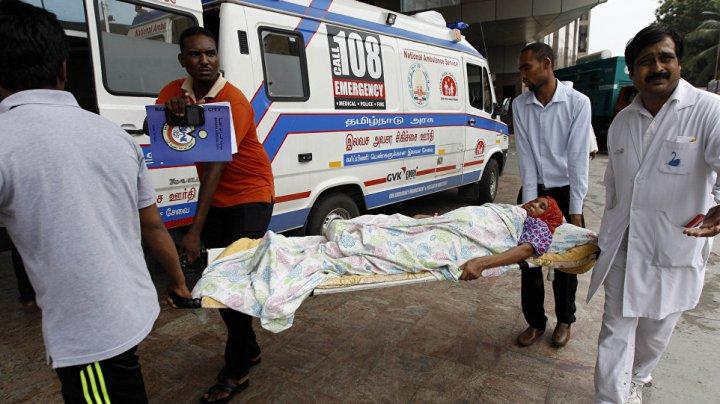 Автобус со школьниками упал в ущелье в Индии, погибло 26 детей