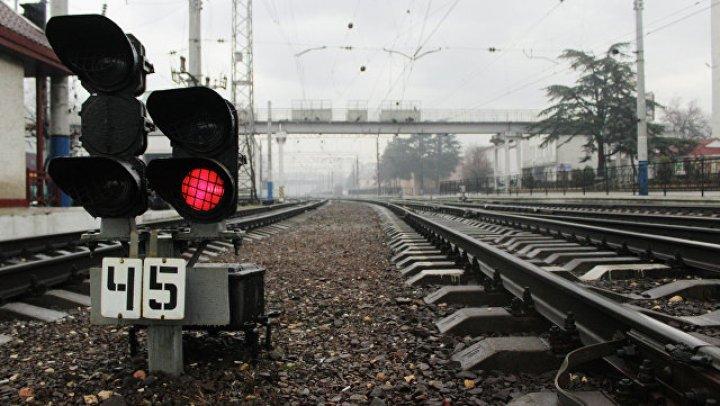 Пассажирский поезд сошел с рельсов на севере Италии