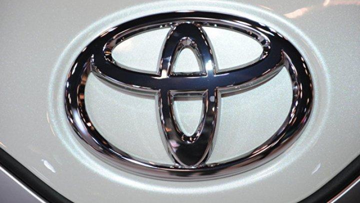 Toyota выпустила фургон Land Cruiser Prado
