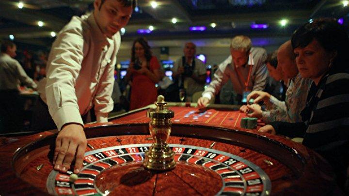 Итальянский священник проиграл в казино полмиллиона евро