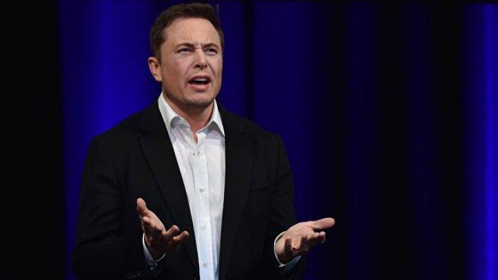 Акции Tesla рухнули после шутки Илона Маска о банкротстве