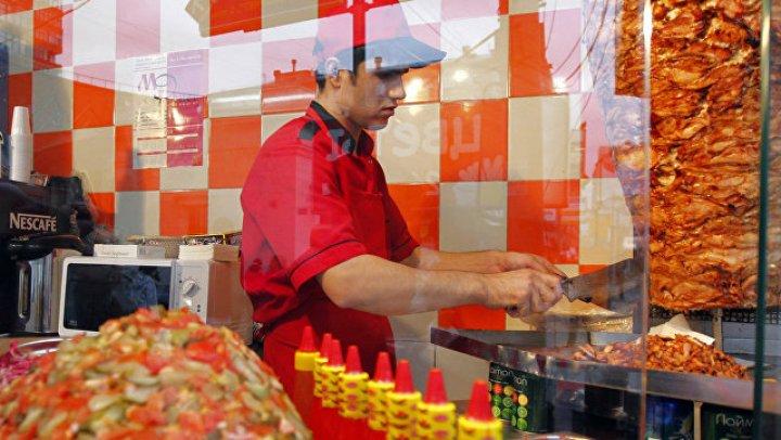 Московское кафе оштрафовали из-за сильного запаха шаурмы