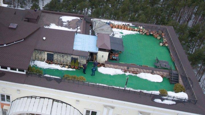 Председатель ТСЖ втайне от соседей обустроил на крыше элитной высотки роскошную виллу