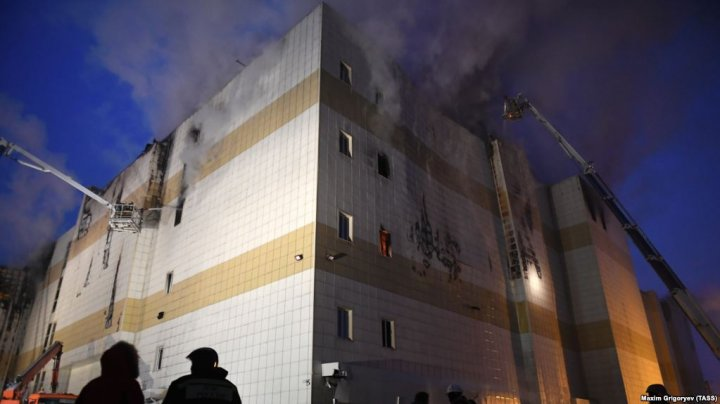 Вину за гибель людей в кинозале «Зимней вишни» возложили на пожарного