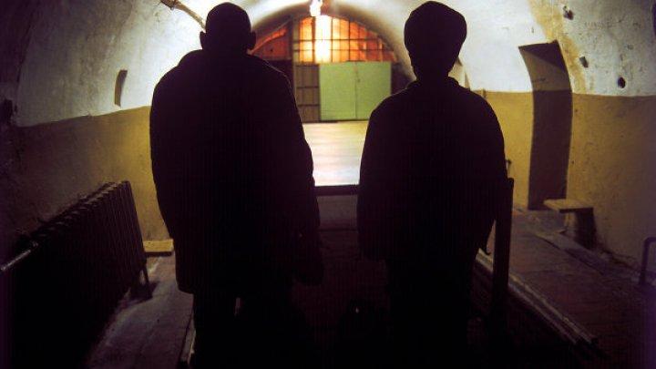 Власти Индии ввели смертную казнь за изнасилование девочек