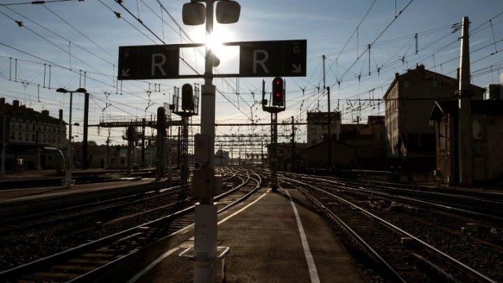 Во Франции в воскресенье отменят ряд поездов из-за забастовки